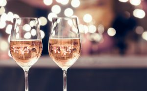 wine glasses during san valentine's dinner